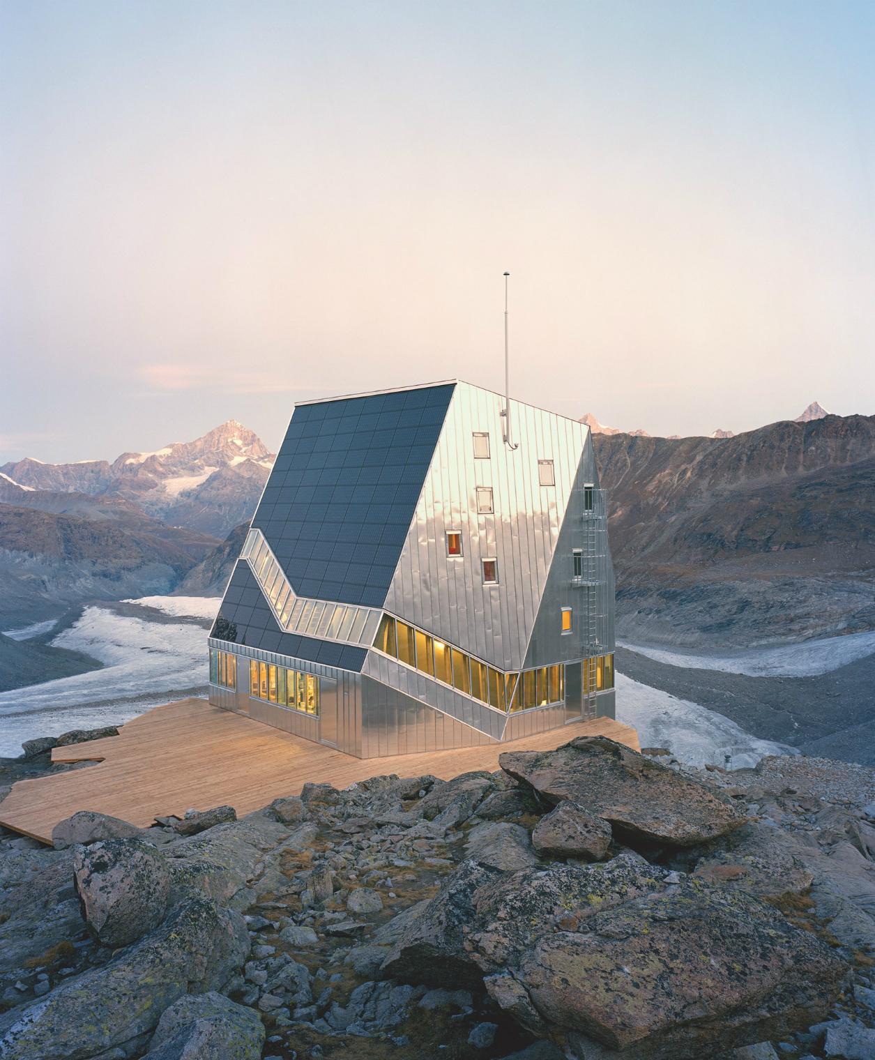 The Sustainable Cabin, by ETH-Studio Monte Rosa. Photo credit ©Tonatiuh Ambrosetti, 2009.